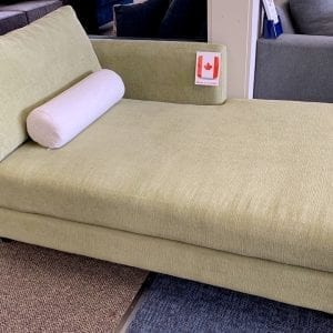 CHAISE Custom made in Canada